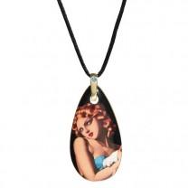 Le pendentif La Femme à la colombe