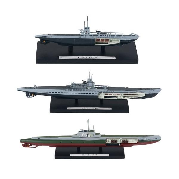 Les trois sous-marins