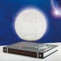 Lune en lévitation