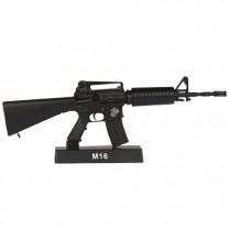 Le M16