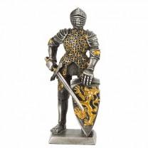 Figurine chevalier du Moyen Âge