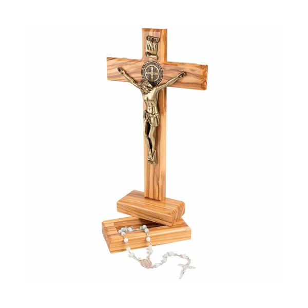 Le crucifix et son chapelet de prière de cérémonie